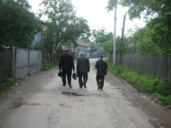 The men led us back home through Rokosova.